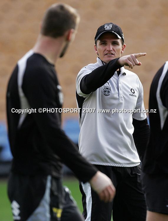 Coach Ivan Cleary. Warriors training. Mt Smart Stadium, Auckland, New Zealand. Thursday 13 September 2007. Photo: Hagen Hopkins/PHOTOSPORT