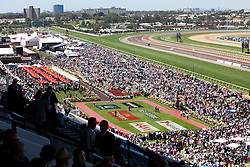 © Licensed to London News Pictures. 5/11/2013. General crowd view of the large amount of spectators on a sunny day during Melbourne Cup Day at Flemington Racecourse on November 5, 2013 in Melbourne, Australia. Photo credit : Asanka Brendon Ratnayake/LNP