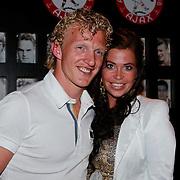 NLD/Amsterdam/20110528 - Toppers in Concert 2011, Dirk Kuyt en partner Gertrude van Vuren