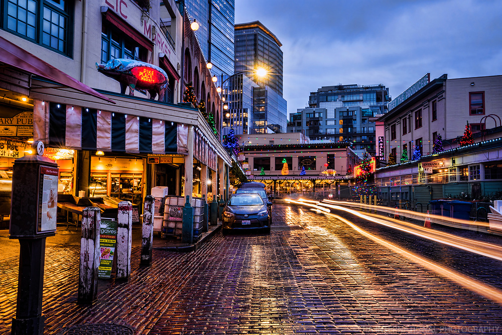 Early Morning @ Pike Place Market, Holiday Season