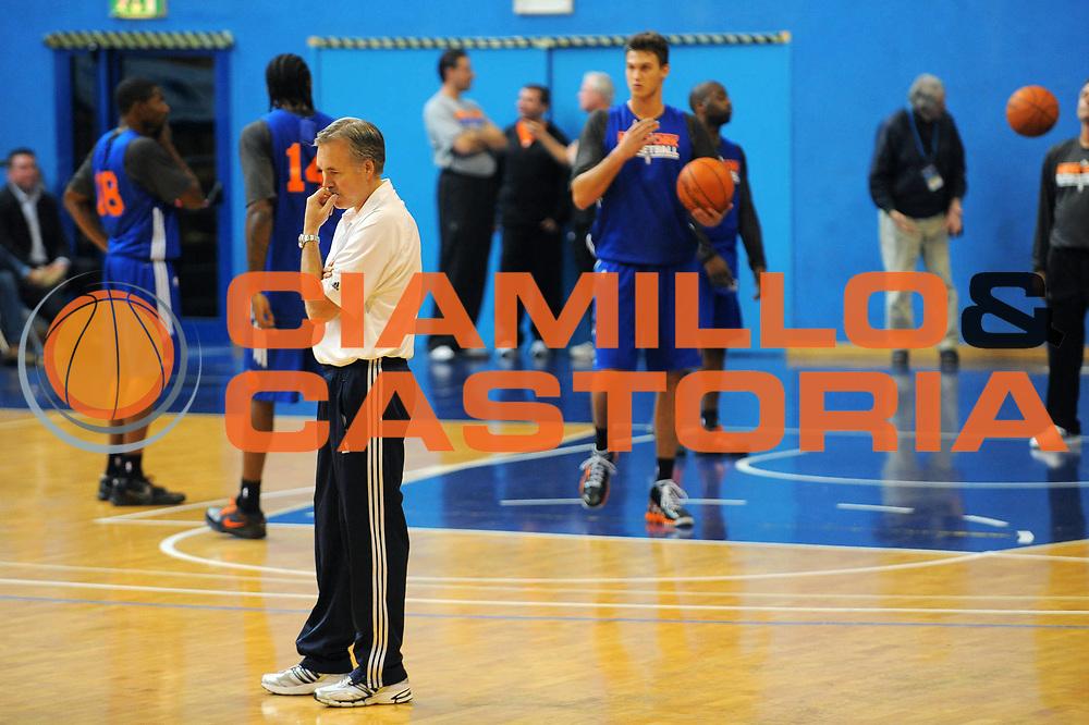 DESCRIZIONE :  Milano NBA EUROPE LIVE TOUR 2010 Allenamento PalaLido<br /> GIOCATORE : Coach Mike DAntoni<br /> SQUADRA : New York Knicks<br /> EVENTO : NBA EUROPE LIVE TOUR 2010  Allenamento PalaLido<br /> GARA :<br /> DATA : 01/10/2010<br /> CATEGORIA :<br /> SPORT : Pallacanestro<br /> AUTORE : Agenzia Ciamillo-Castoria/A.Dealberto<br /> GALLERIA : NBA EUROPE LIVE TOUR 2010<br /> FOTONOTIZIA : NBA EUROPE LIVE TOUR 2010 Allenamento PalaLido<br /> PREDEFINITA :