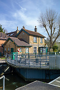 Maidenhead, United Kingdom. General View, GV. Lock Keepers Cottage, Boulters Lock.<br /> <br /> Friday  06/04/2018<br /> <br /> © Peter SPURRIER<br /> Leica Camera AG M9 Digital Camera. ISO 80    Lens 35mm f1.4 Voigtlander Nokton Classic