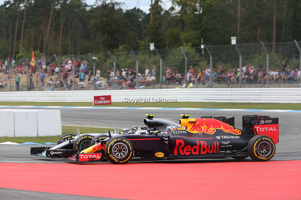 &copy; Photo4 / LaPresse<br /> 31/07/2016 Hockenheim, Germany<br /> Sport <br /> Grand Prix Formula One Germany 2016<br /> In the pic: Max Verstappen (NED) Red Bull Racing RB12 and Nico Rosberg (GER) Mercedes AMG F1 W07 Hybrid