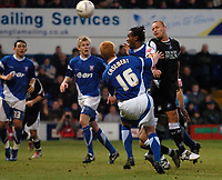 Photo: Ashley Pickering.<br />Ipswich Town v Swansea City. The FA Cup. 27/01/2007.<br />Swansea's Lee Trundle (R) fires in a header