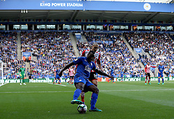 Wes Morgan of Leicester City holds off Oriol Romeu of Southampton - Mandatory by-line: Robbie Stephenson/JMP - 02/10/2016 - FOOTBALL - King Power Stadium - Leicester, England - Leicester City v Southampton - Premier League