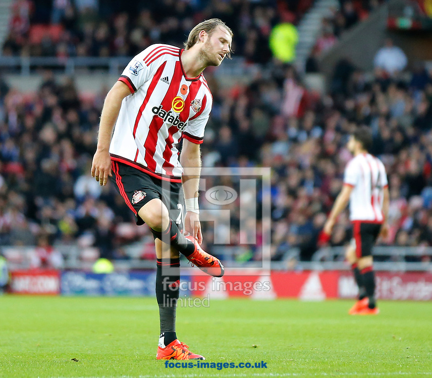 Ola Toivonen of Sunderland removes grass from his boots after shooting wide during the Barclays Premier League match at the Stadium Of Light, Sunderland<br /> Picture by Simon Moore/Focus Images Ltd 07807 671782<br /> 07/11/2015