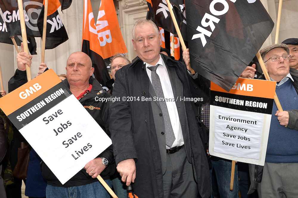 Pictured (centre) is Paul Maloney, regional secretary for GMB Southern.<br /> GMB London and Southern Regions protest outside of a meeting at Friends House, Euston Road, between the Environment Agency and unions over possible redundancies.<br /> Thursday, 20th February 2014. Picture by Ben Stevens / i-Images