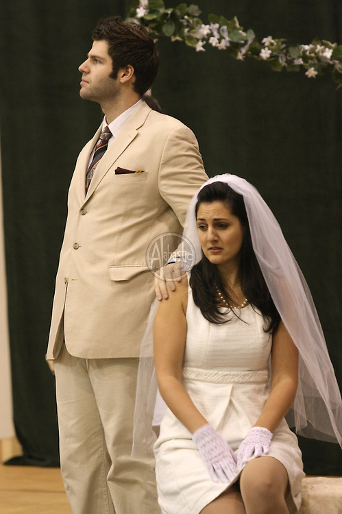 Erik Anstine and Maya Lahyani in Cosi fan tutte