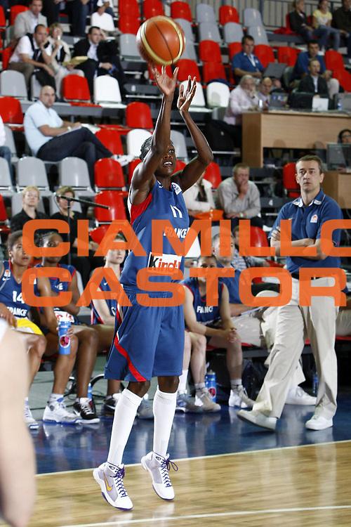 DESCRIZIONE : Valmiera Latvia Lettonia Eurobasket Women 2009 Francia Italia France Italy<br /> GIOCATORE : Emilie Gomis<br /> SQUADRA : Francia France<br /> EVENTO : Eurobasket Women 2009 Campionati Europei Donne 2009 <br /> GARA : Francia Italia France Italy<br /> DATA : 07/06/2009 <br /> CATEGORIA : tiro<br /> SPORT : Pallacanestro <br /> AUTORE : Agenzia Ciamillo-Castoria/E.Castoria