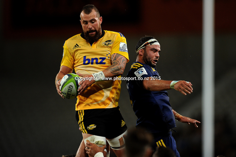 Blade Thomson of the Hurricanes receives the ball from a lineout, during the Super Rugby Match between the Highlanders and the Hurricanes, at Forsyth Barr Stadium, Dunedin, New Zealand, 20 March 2015. Credit: Joe Allison / www.photosport.co.nz