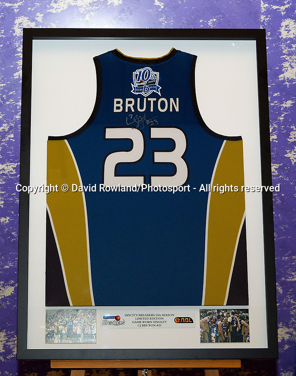 Breakers' CJ Bruton's singlet in the charity auction at the Skycity Breakers Awards, 2013-14, Skycity Convention Centre, Auckland, New Zealand, Friday, March 28, 2014. Photo: David Rowland/Photosport