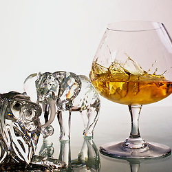 Cognac splash. Photographe: Marc Lapointe, Sainte-Thérèse, Blainville, Québec. Studio de photo marclapointephoto.