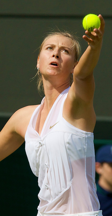 LONDON, ENGLAND - Tuesday, June 24, 2008: Maria Sharapova (RUS) during her first round match on day two of the Wimbledon Lawn Tennis Championships at the All England Lawn Tennis and Croquet Club. (Photo by David Rawcliffe/Propaganda)