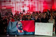 W&uuml;rzburg | Deutschland | 04.03.2016: Der designierte Kanzlerkandidat der SPD Martin Schulz spricht im Vogel Convention Center in W&uuml;rzburg vor Parteimitgliedern.<br /> <br /> hier: Die Jusos mit Plakaten<br /> <br /> Sascha Rheker<br /> 20170304<br /> <br /> [Inhaltsveraendernde Manipulation des Fotos nur nach ausdruecklicher Genehmigung des Fotografen. Vereinbarungen ueber Abtretung von Persoenlichkeitsrechten/Model Release der abgebildeten Person/Personen liegt/liegen nicht vor.]