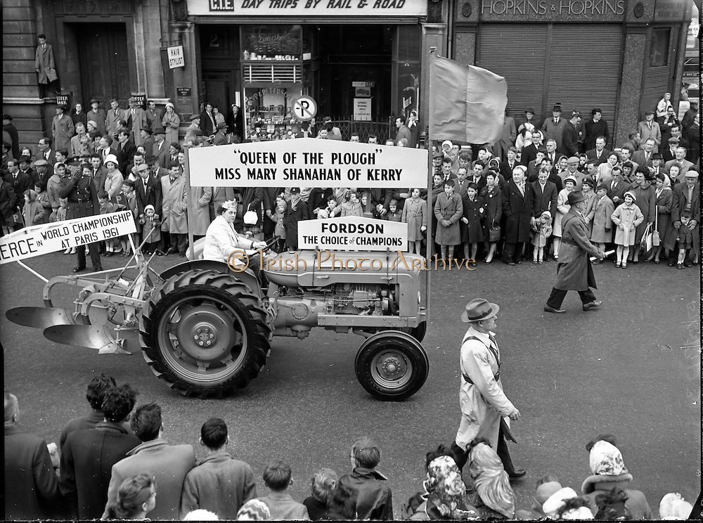 St. Patrick's Day - N.A.I.D.A. Queen of the Plough, Mary Shanahan parades through Dublin..1961 <br /> vintage photos of  St. Patrick's Day, O'Connell Street, Dublin, Ireland.<br /> vintage pictures of  St. Patrick's Day, O'Connell Street, Dublin, Ireland.<br /> Pic of  St. Patrick's Day, O'Connell Street, Dublin, Ireland. <br /> Iconic Image