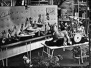23/04/1955<br /> 04/23/1955<br /> 23 April 1955<br /> <br /> Special for Modern Display Artists - Copy Negatives