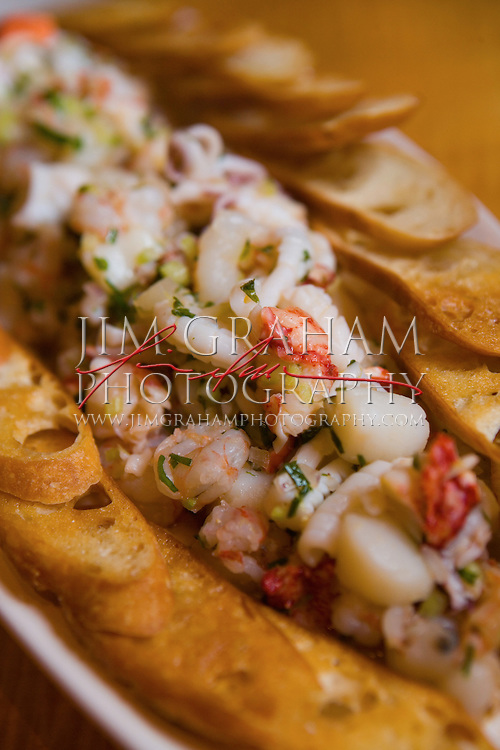 Spicy calamari and garlic toasts. (Photography by Jim Graham)