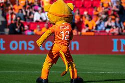 01-06-2019 NED: Netherlands - Australia, Eindhoven<br /> <br /> Friendly match in Philips stadion Eindhoven. Netherlands win 3-0 / Dutch Mascotte