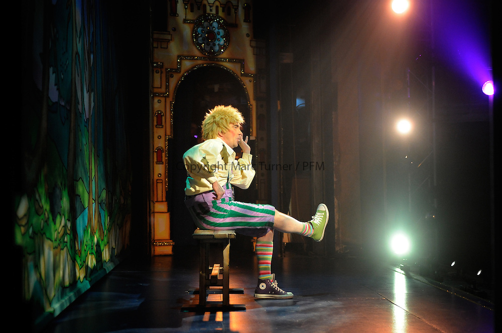 Snow White at The Kings - Photo Essay<br /> <br /> <br /> Gavin Mitchell as Muddles