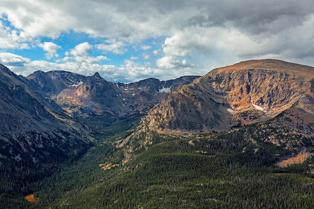Gore Range, Alpine Visitors Center, Rocky Mountain National Park, Colorado, USA
