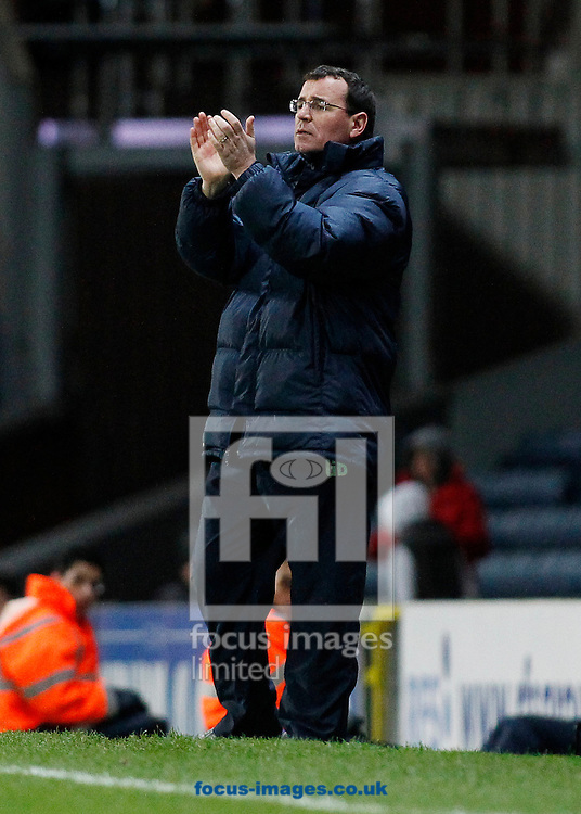Picture by Michael Sedgwick/Focus Images Ltd +44 7900 363072<br /> 11/01/2014<br /> Gary Bowyer, manager of Blackburn Rovers applauds his players during the Sky Bet Championship match against Doncaster Rovers at Ewood Park, Blackburn.