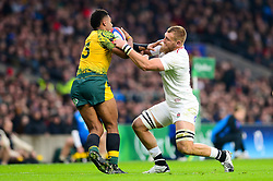 Brad Shields of England tackles Sekope Kepu of Australia - Mandatory by-line: Dougie Allward/JMP - 24/11/2018 - RUGBY - Twickenham Stadium - London, England - England v Australia - Quilter Internationals