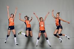 21-05-2014 NED: Selectie Nederlands volleybal team vrouwen, Arnhem<br /> Op Papendal werd het Nederlands team volleybal seizoen 2014-2015 gepresenteerd / Mizuno met Anne Buijs, Robin de Kruijf, Laura Dijkema, Femke Stoltenborg