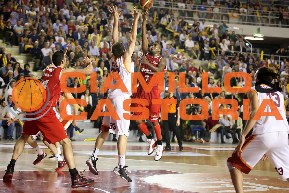 DESCRIZIONE : Roma Lega A 2012-2013 Acea Roma Trenkwalder Reggio Emilia playoff quarti di finale gara 5<br /> GIOCATORE : Donell Taylor<br /> CATEGORIA : tiro<br /> SQUADRA : Trenkwalder Reggio Emilia<br /> EVENTO : Campionato Lega A 2012-2013 playoff quarti di finale gara 5<br /> GARA : Acea Roma Trenkwalder Reggio Emilia<br /> DATA : 17/05/2013<br /> SPORT : Pallacanestro <br /> AUTORE : Agenzia Ciamillo-Castoria/ElioCastoria<br /> Galleria : Lega Basket A 2012-2013  <br /> Fotonotizia : Roma Lega A 2012-2013 Acea Roma Trenkwalder Reggio Emilia playoff quarti di finale gara 5<br /> Predefinita :