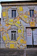 Roma 11 Luglio 2013<br /> Edificio con murales  in via Ostiense