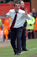 Photo: Kevin Poolman.<br />AFC Bournemouth v Brentford. Coca Cola League 1. 06/05/2006. Brentford Manager Martin Allen.