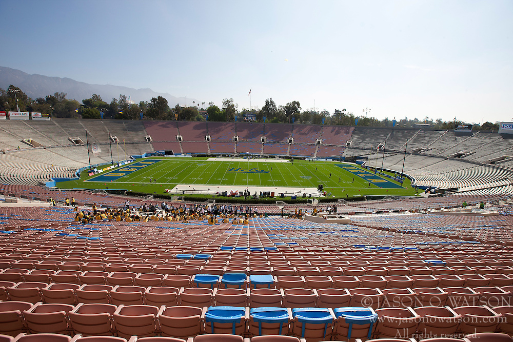 PASADENA, CA - SEPTEMBER 05:  General view of the stands at the Rose Bowl before the game between the UCLA Bruins and the Virginia Cavaliers on September 5, 2015 in Pasadena, California.  The UCLA Bruins defeated the Virginia Cavaliers 34-16. (Photo by Jason O. Watson/Getty Images) *** Local Caption ***