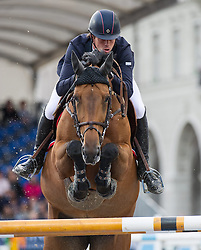 22.09.2013, Rathausplatz, Wien, AUT, Global Champions Tour, LGT Vienna Masters 2013 , Springreiten (1.50 / 1.55 m) 1. Durchgang, im Bild Harrie Smolders (NED) auf Regina Z // during LGT Vienna Masters 2013 of Global Champions Tour, International Jumping Competition (1.50 / 1.55 m) First Round at Rathausplatz in Vienna, Austria on 2013/09/22. EXPA Pictures © 2013 PhotoCredit: EXPA/ Michael Gruber