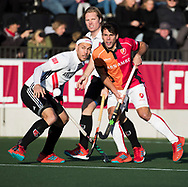 AMSTELVEEN - Benjamin Stanzl (Oranje-Rood)  tijdens   de hoofdklasse hockeywedstrijd AMSTERDAM-ORANJE ROOD (4-5). links Justin Reid-Ross (A'dam) . COPYRIGHT KOEN SUYK