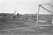 009/06/1963<br /> 06/09/1963<br /> 09 June 1963<br /> Soccer International: Ireland v Scotland at Dalymount Park Dublin. Ireland won the game 1-0 with a goal from Captain Noel Cantwell. Irish goalie Alan Kelly takes a flying leap to see this ball well out of the net.