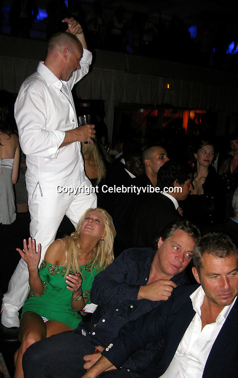 **EXCLUSIVE**.Tara Reid was dancing and kissing three drunk guys, one being Giuseppe Cipriani at VIP Room..VIP Room Nightclub..2009 Cannes Film Festival..Cannes, France..Friday, May 15, 2009.Photo By Celebrityvibe.com.To license this image please call (212) 410 5354; or Email: celebrityvibe@gmail.com ; .website: www.celebrityvibe.com.