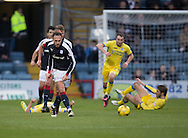 Dundee&rsquo;s Tom Hateley leaves St Johnstone players on their backs as he surges forward - Dundee v St Johnstone in the Ladbrokes Scottish Premiership at Dens Park, Dundee - Photo: David Young, <br /> <br />  - &copy; David Young - www.davidyoungphoto.co.uk - email: davidyoungphoto@gmail.com
