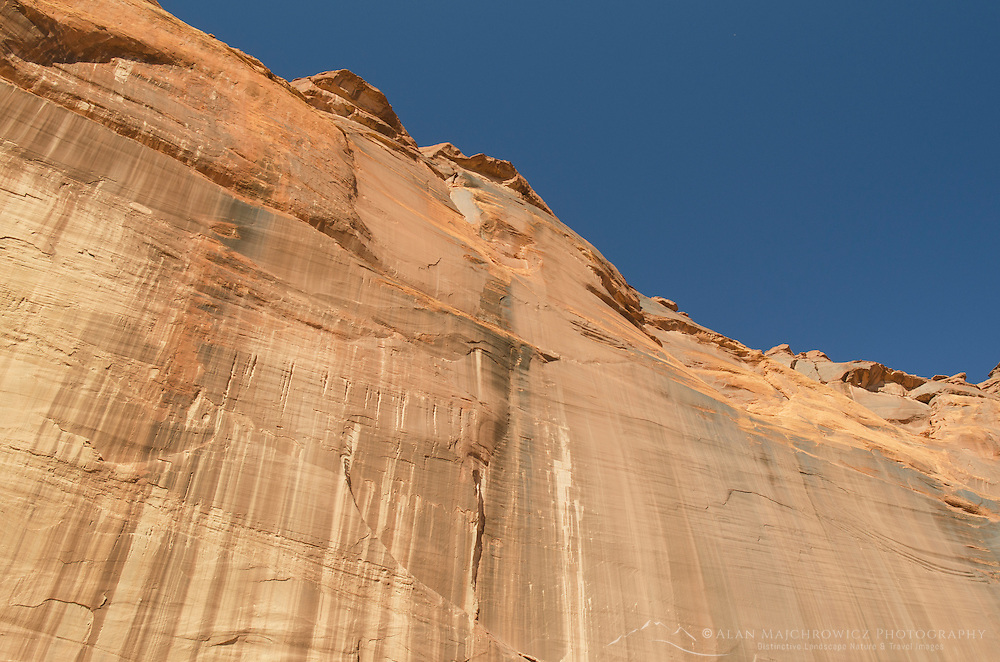 Sandstone cliffs, Canyon de Chelly National Monument