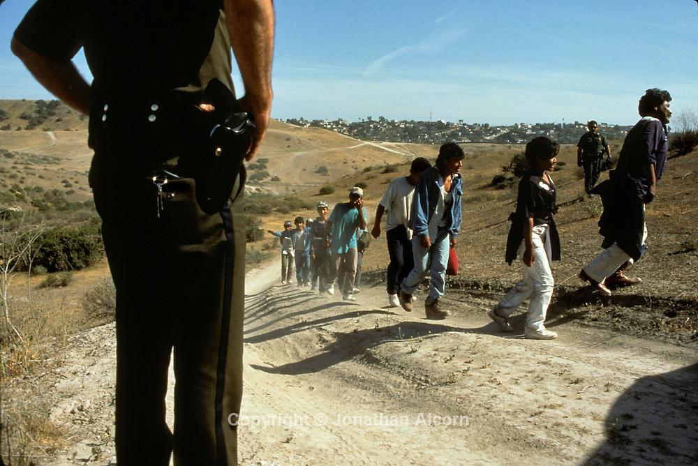 Aug 08, 1997 - Border, California, USA - MEXICO - Operation Gatekeeper - Illegal Immigration