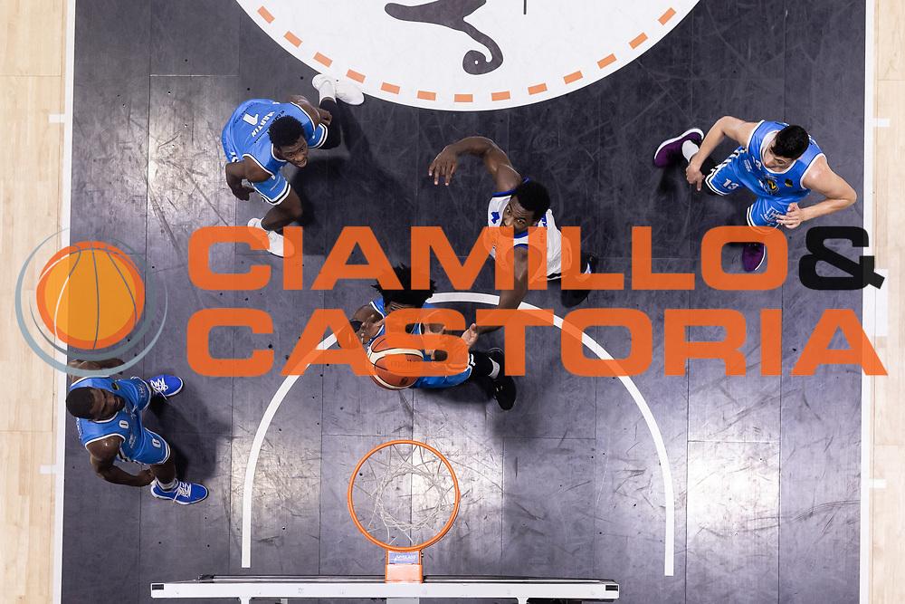 Sims Henry<br /> Vanoli Cremona - Germani Basket Brescia<br /> Legabasket Serie A 2017/18<br /> Cremona, 27/04/2018<br /> Foto MarcoBrondi / Ciamillo-Castoria