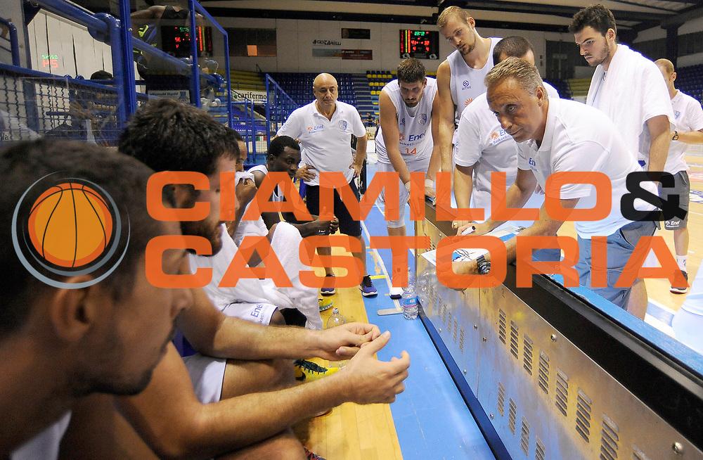 DESCRIZIONE : Porto San Giorgio PreCampionato Lega A 2015-16 Auxilium Cus Torino Enel Brindisi GIOCATORE : Piero Bucchi<br /> CATEGORIA : Coach Direttive Mani FairPlay TimeOut<br /> SQUADRA : Enel Brindisi<br /> EVENTO :  PreCampionato Lega A 2015-16<br /> GARA : Auxilium Cus Torino Enel Brindisi<br /> DATA : 04/09/2015<br /> SPORT : Pallacanestro <br /> AUTORE : Agenzia Ciamillo-Castoria/A.Giberti<br /> Galleria :  Campionato Lega A 2015-16  <br /> Fotonotizia :  Auxilium Cus Torino Enel Brindisi<br /> Predefinita :
