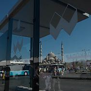 Turkey. Istambul. Eminonu area, urban life.