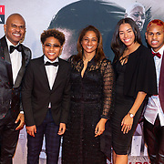 NLD/Amsterdam/20200217-Suriname filmpremiere, Roue Verveer en partner Farah Sewgobind en kinderen Randy, Julian