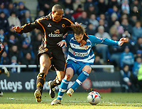 Photo: Ed Godden.<br />Reading v Wolverhampton Wanderers. Coca Cola Championship. 18/03/2006. <br />Paul Ince (L) challenges, Reading's Bobby Convey.
