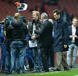 Celebrity jim carrey jokes around as Sky sports do an interview.- Photo mandatory by-line: Alex James/JMP - Mobile: 07966 386802 - 22/11/2014 - Sport - Football - London - Emirates Stadium - Arsenal v Manchester United - Barclays Premier League