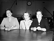 Question Time Team (Antrim Ladies) at Phoenix Hall for Radio Review<br /> 02/08/1953