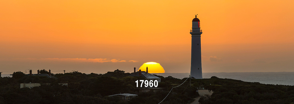 Split Point lighthouse at sunrise