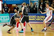 DESCRIZIONE : Varese Lega A 2013-14 Cimberio Varese Granarolo Virtus Bologna<br /> GIOCATORE : Casper Ware Brock Motum<br /> CATEGORIA : Palleggio Blocco Tecnica<br /> SQUADRA : Granarolo Virtus Bologna<br /> EVENTO : Campionato Lega A 2013-2014<br /> GARA : Cimberio Varese Granarolo Virtus Bologna<br /> DATA : 26/12/2013<br /> SPORT : Pallacanestro <br /> AUTORE : Agenzia Ciamillo-Castoria/G.Cottini<br /> Galleria : Lega Basket A 2013-2014  <br /> Fotonotizia : Varese Lega A 2013-14 Cimberio Varese Granarolo Virtus Bologna<br /> Predefinita :
