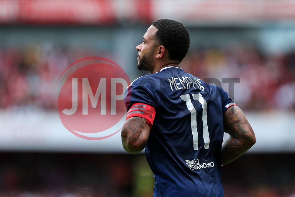 Memphis Depay of Lyon - Mandatory by-line: Arron Gent/JMP - 28/07/2019 - FOOTBALL - Emirates Stadium - London, England - Arsenal v Olympique Lyonnais - Emirates Cup