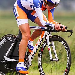 Sportfoto archief 2012<br /> Nederlands Kampioenschap tijdrijden vrouwen Emmen<br /> Annemiek van Vleuten 2e