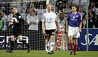 Fotball<br /> NM Norgesmesterskap Cup<br /> 25.09.08<br /> Ullevaal Stadion<br /> Vålerenga VIF - Odd Grenland<br /> Peter Kovacs fortviler flankert av Troy Perkins og Andre Muri<br /> Foto - Kasper Wikestad